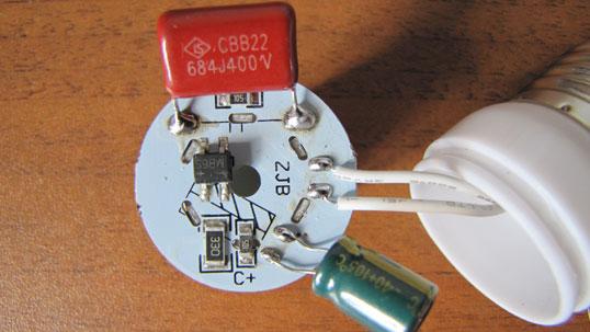 Schematische Darstellung der LED-Lampe für 220 Volt. Reparatur von ...